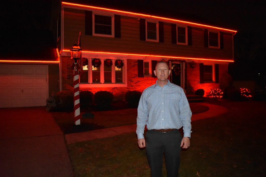 light show becoming a must-see holiday