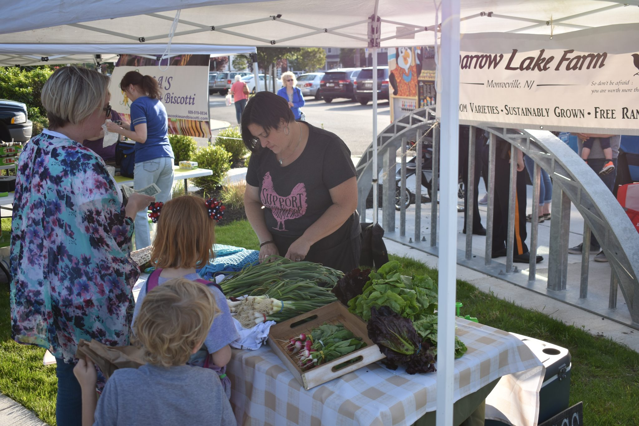 Fresh Eats Market >> Fresh Eats And Friendly Faces The Sun Newspapers